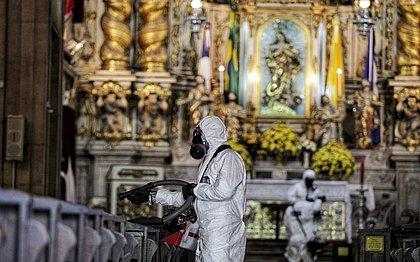 Equipe do Comando Conjunto Bahia desinfectou a Basílica Santuário Nossa Senhora da Conceição da Praia