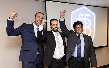 Ricardo Lima, ao centro, com o vice-presidente Manfredo Lessa (à esquerda) e Ednaldo Rodrigues