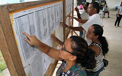 Bolsonaro publica decreto que dificulta criação de concursos públicos