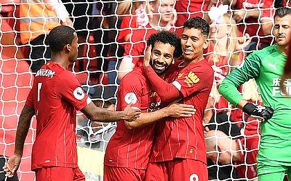 Firmino brilha com assistências e Liverpool vence o Newcastle