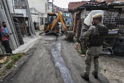 SSP retira quebra-molas colocados por traficantes no Nordeste de Amaralina