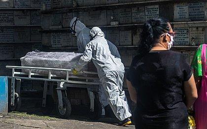 Bahia registra 111 mortes e quase 6 mil novos casos de covid em 24h