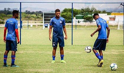 Sem atividades na Cida Tricolor, garotos são orientados pelo clube através de plataformas virtuais