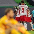 Jogadores do RB Leipzig comemoram o segundo gol