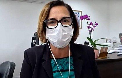 'Passaporte' de vacinação pode ser exigido para Carnaval, diz secretária