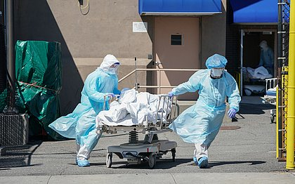 EUA podem registrar 60 mil mortes por covid após feriadão de Ação de Graças