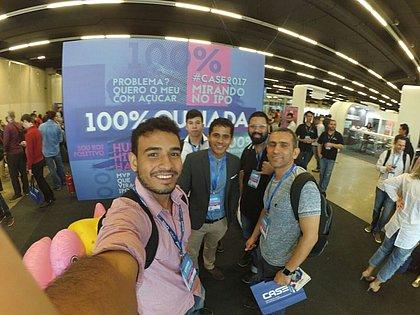 Vencedores do Hackathon+Salvador durante o Case, em São Paulo