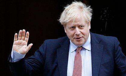 Reino Unido anuncia fechamento de todos os corredores de viagem do país