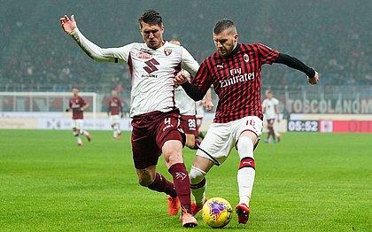 Milan derrota Torino e se mantém na briga por vaga na Liga Europa