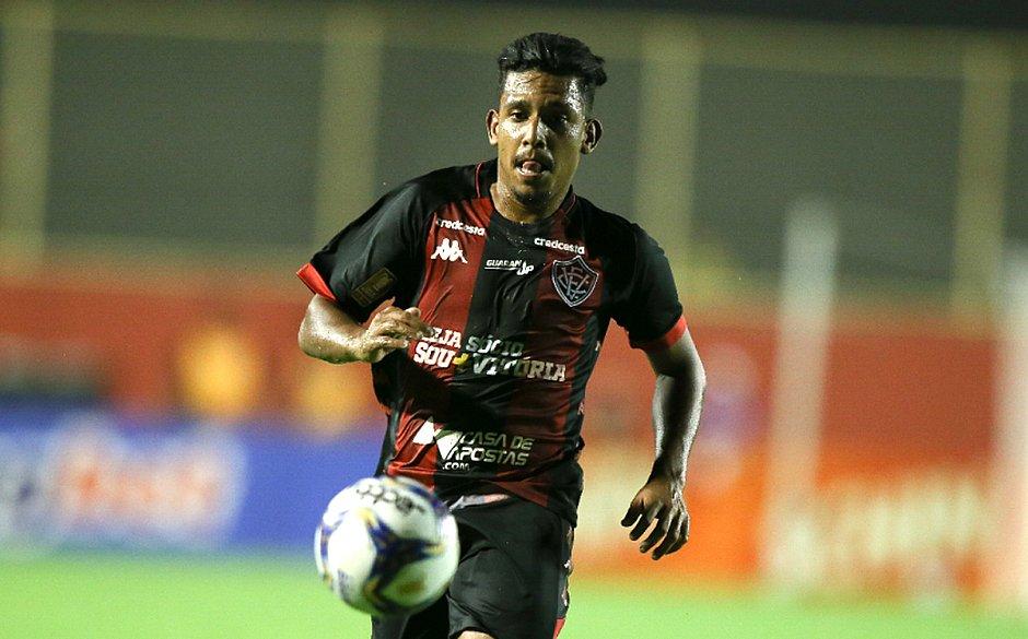Bocão recebeu chance como titular na vaga de Van