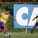 Marco Antônio será titular do Bahia na estreia; Rogério (desfocado) fica de fora
