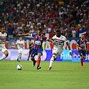 Elton foi um dos três volantes do Bahia contra o São Paulo