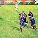 Marco Antônio comemora gol marcado sobre o Jacuipense no jogo de ida da semifinal do Baianão