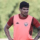 Léo Ceará tem contrato com o Vitória até dezembro