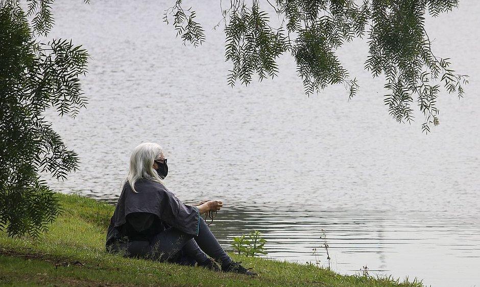 Pesquisa analisa relação entre isolamento social e doenças mentais