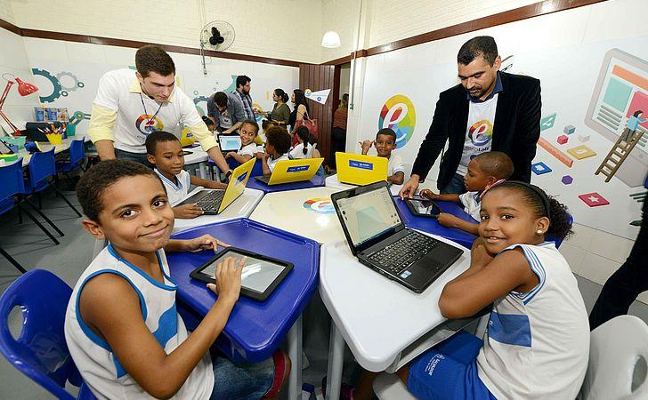 Escolas laboratório trazem a inovação para a educação municipal