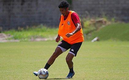 Jonathan Bocão durante o treino do Vitória nesta sexta-feira (1º)