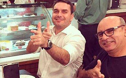MP do Rio contraria defesa e diz que Flávio Bolsonaro não é investigado