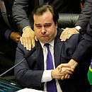 Rodrigo Maia se emocionou após anunciar resultado de votação