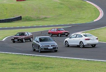 Os históricos Gol e Passat GTS com os novos Polo e Virtus GTS
