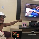 Fã do Big Brother Brasil, Eron torce para que Babu vença o reality show
