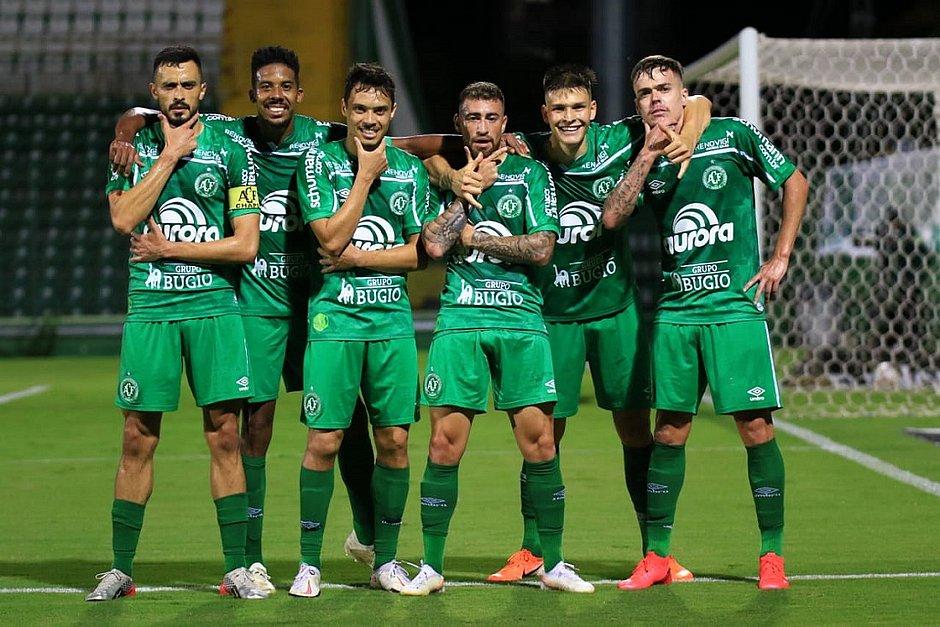 Jogadores da Chapecoense, time que está de volta à primeira divisão