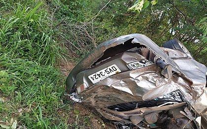 Carro de família que viajavam do DF para o Ceará é encontrado com três corpos na Bahia