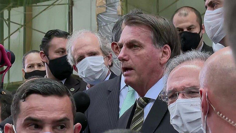 Bolsonaro diz que fará churrasco no sábado para uns 30 convidados