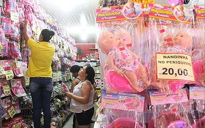 Procon realiza operação para fiscalizar se brinquedos à venda prestam