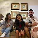 Em casa, Martín recebe o apoio da esposa Lúcia, da filha Abril e dos mascotes da família, o boxer Tego e o weimaraner Zeus