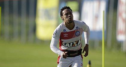 Com um problema na coxa, Edigar Junio só deve voltar ao time contra o Flamengo