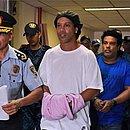 Ronaldinho Gaúcho e Assis chegaram algemados para audiência na Palácio de Justiça do Paraguai
