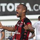 O zagueiro João Victor é o jogador mais regular da defesa do Vitória
