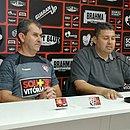 Tencati (à esquerda) chega com contrato até o final da Série B