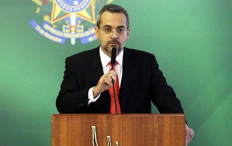 ex-ministro
