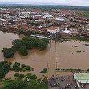 Imagem aérea de Coronel João Sá, que teve ruas alagadas após barragem ceder