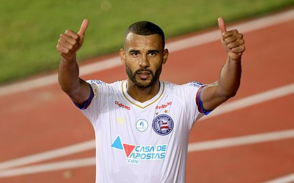 Zagueiro foi titular pelo segundo jogo seguido