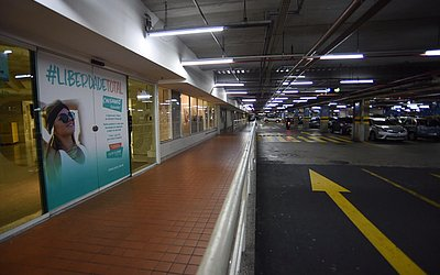 Local onde ocorreu ataque; shopping permaneceu aberto após crime