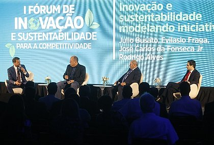 Rodrigo Alves, do Ibama,  media painel com Evilásio Fraga, Julio Busato e Georges Humbert