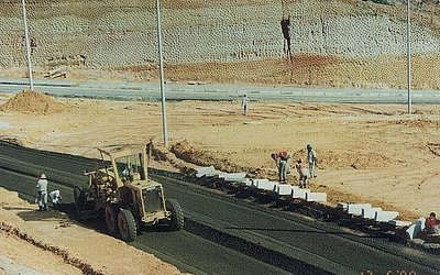 Obras de criação da Avenida Artêmio Valente, 1998
