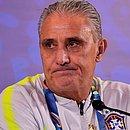 Tite se queixa do gramado da Arena do Grêmio, palco do jogo contra o Paraguai