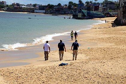 Dez pessoas já foram parar na delegacia por descumprirem isolamento nas praias de Salvador