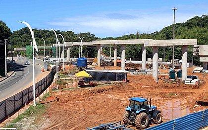 Vigas de concreto começam a ser instaladas em viadutos do BRT na ACM