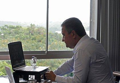 Após reunião com Pazuello, Rui pede celeridade na definição de novas vacinas
