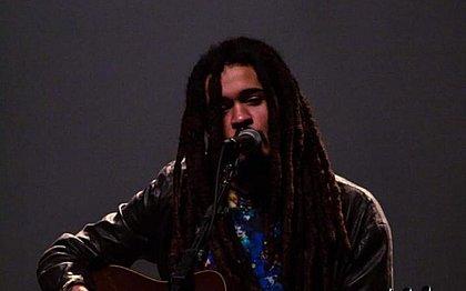 Neto de Chico Buarque, Chico Brown fez apresentação em Salvador