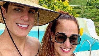 Mãe de Neymar mantém amizade colorida com Tiago Ramos, diz jornal