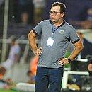 No estádio Luis Franzini, Enderson Moreira lamenta eliminação na Copa Sul-Americana