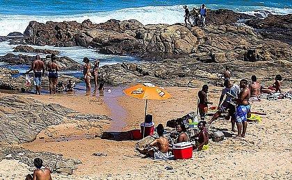 Praias de Salvador são liberadas, mas só na semana; veja o que pode