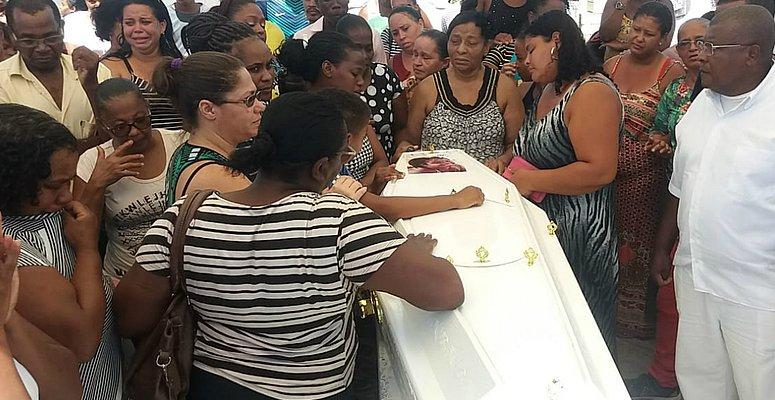 https://www.correio24horas.com.br/noticia/nid/nao-entendo-por-que-fizeram-isso-desabafa-pai-de-garota-de-10-anos-encontrada-morta/