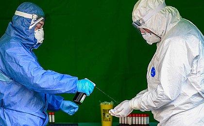 Entenda por que o coronavírus está mudando e quais os riscos das cepas